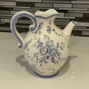 BEAUTIFUL BLUE AND WHITE PITCHER